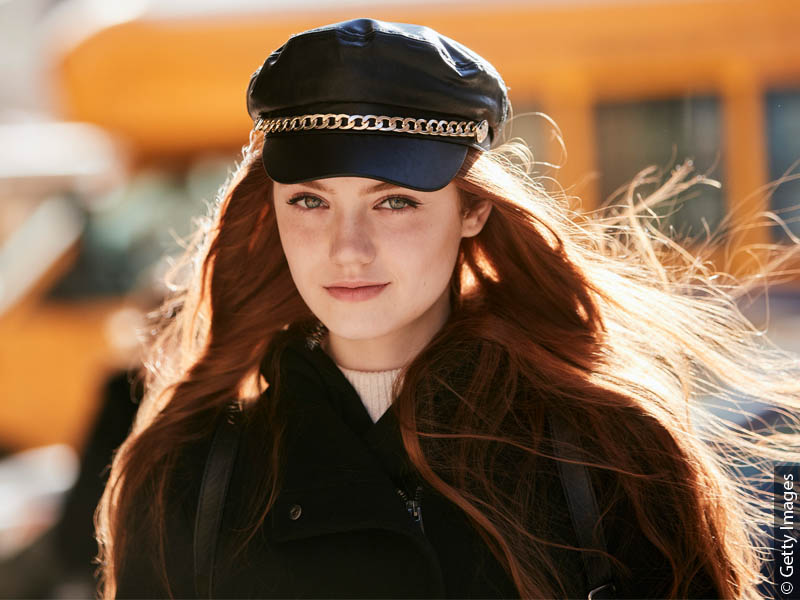 800x600_redhaired-woman-cap