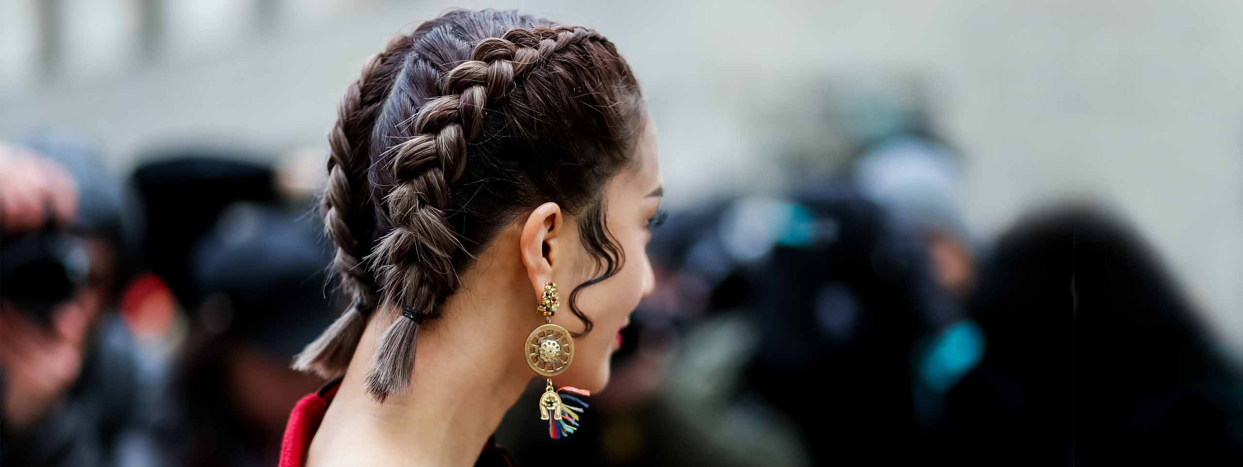 2560x963_woman-plaits-short-hair-earring