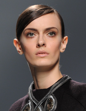 Quick Hairstyles: Runway Dior