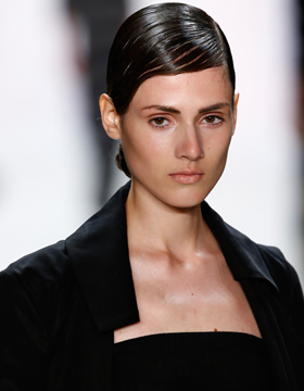 Hairstyle Trend: Sleek Look
