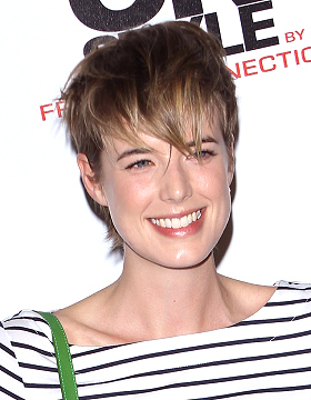 Short Haircut Agyness Deyn