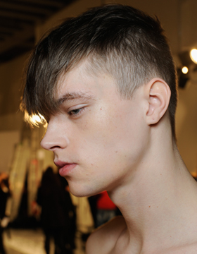 Current hairstyles for men, playing with length