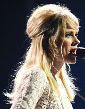 Hairstyles at the Eurovision Song Contest: Ilse DeLange