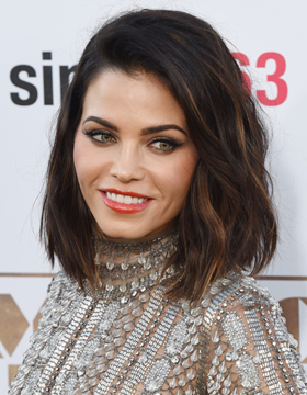 A-line cut trend style: soft waves