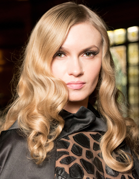 Festive hairstyles with glamour waves