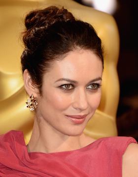Hairstyles at the Oscar Awards: Olga Kurylenko