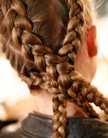 Braiding hair: How to do Dutch braids