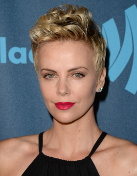 Beach Waves & Co.: Charlize Theron