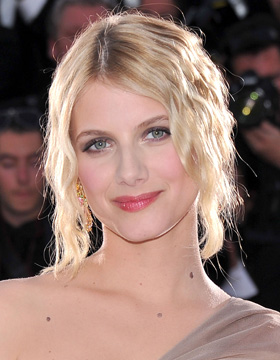 Hairstyles from France: Mélanie Laurent