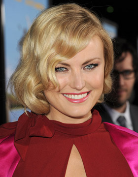 Malin Akerman and her Romantic Hairstyle