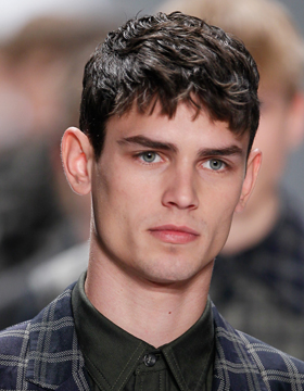 Men's Hairstyles with Fringes: Short and Straight